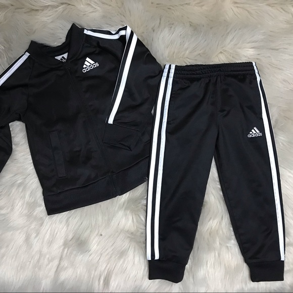 794786b6 Toddler boys Adidas tracksuit size 3t. M_5c8c7cc9df03072946624991
